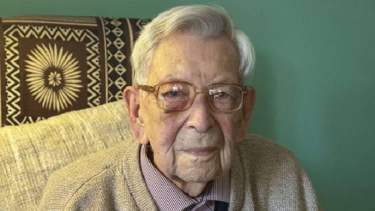 Worlds oldest man died
