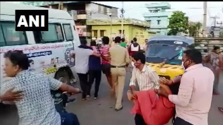 Poison gas leaked Andhra Pradesh three people died