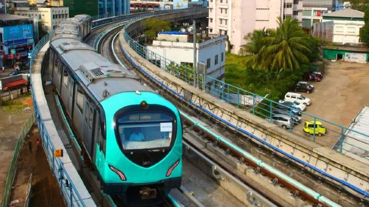 kochi metro thaikoodam petta service soon