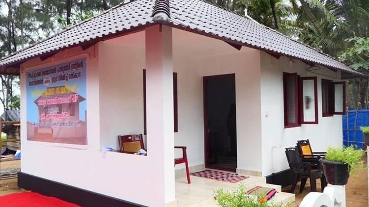 Janamaithri police build house for old woman
