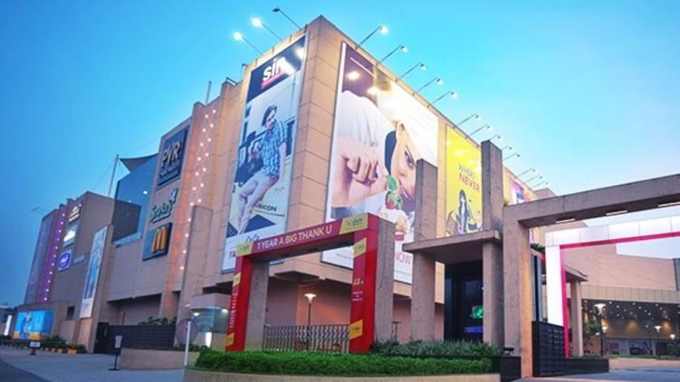 hotels malls open tomorrow