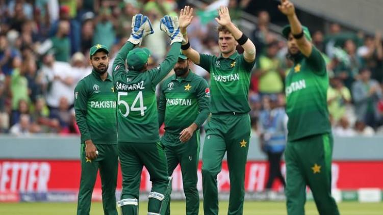 pakistan cricket players covid