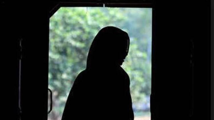 shamna kasim blackmail case culprit wife files anticipatory bail