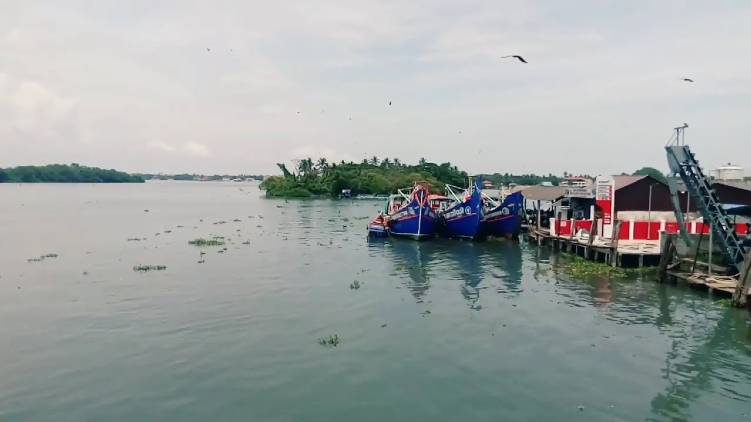 vypin kalamukku harbor shut down