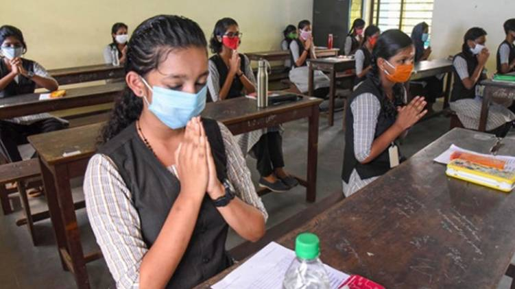 cbse declares 12th std results