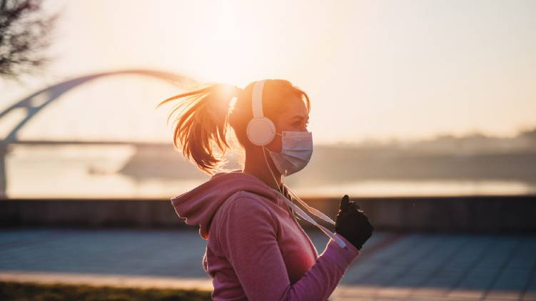 should you wear mask while exercising