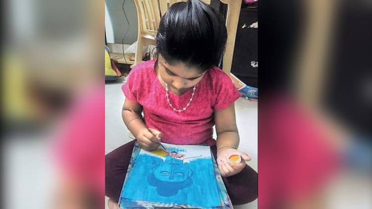 seven year old sells her art to raise money for orphanage