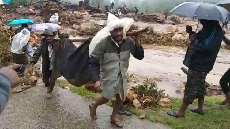 12 rescued from pettimudi landslide