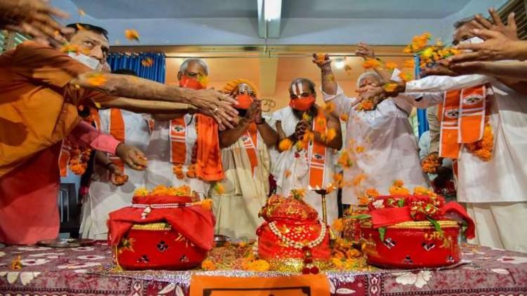 Ram Mandir priest covid