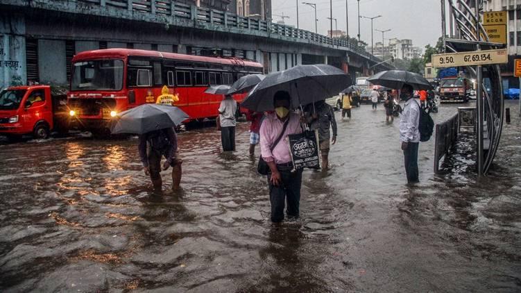 Heavy rains in Maharashtra, covid 19