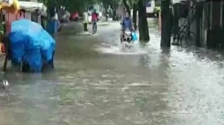 heavy rain in country