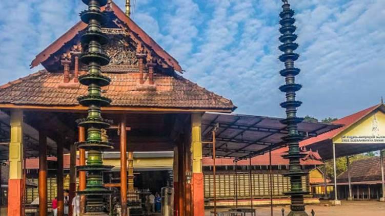 travancore dewaswom board temples allow devotee entry