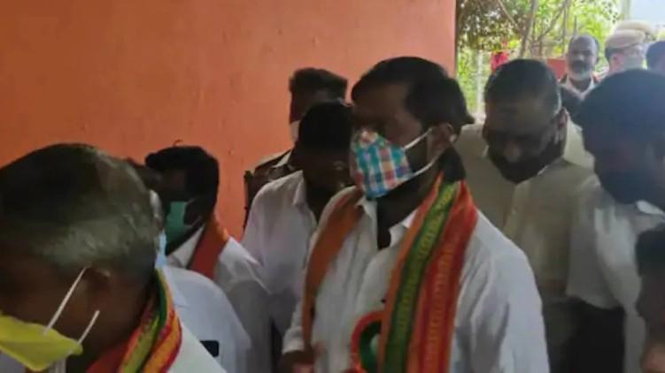 Gangster BJP flees police