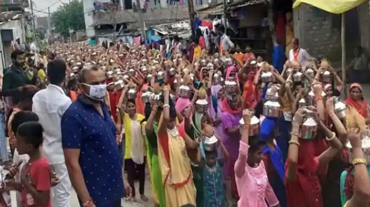 Social-Distancing BJP Kalash Yatra