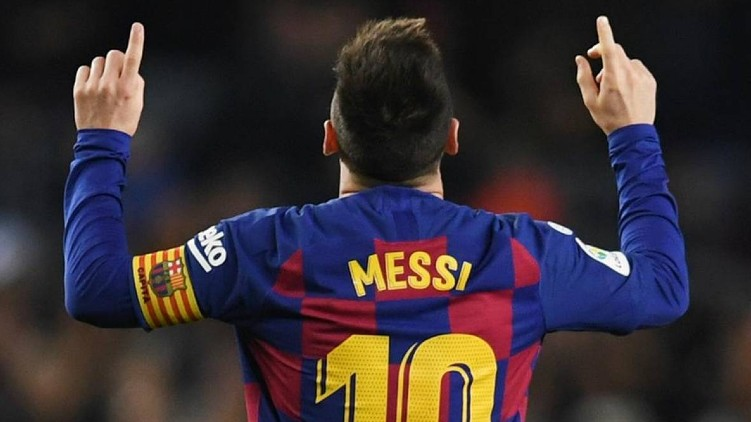 Lionel Messi stays Barcelona