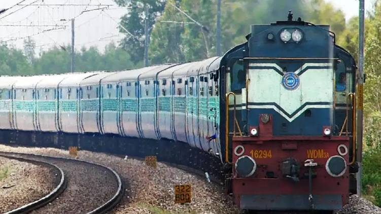 center moves for railway privatization