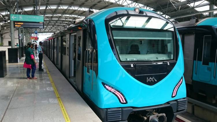 kochi metro restart