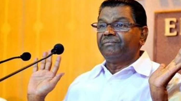 Allegedly visiting RSS office; Thiruvanchoor challenges Kodiyeri