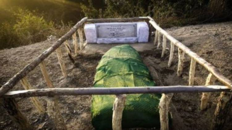 Indian Army Restores Damaged Grave Of Decorated Pak Officer