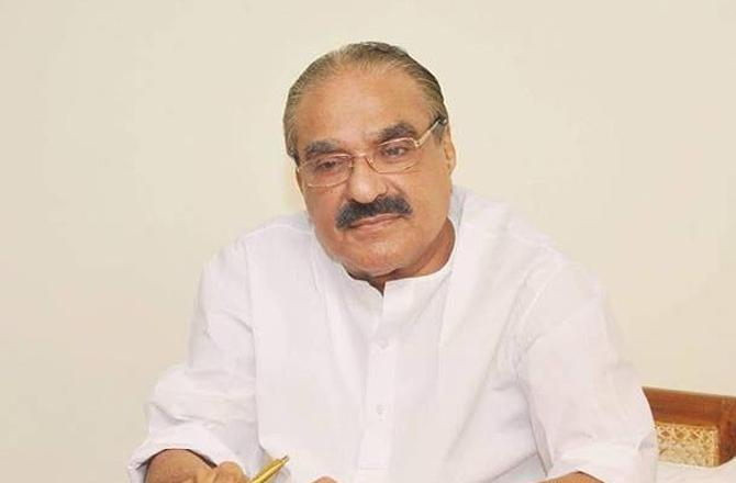 km mani stabbed from behind says ek nayanar