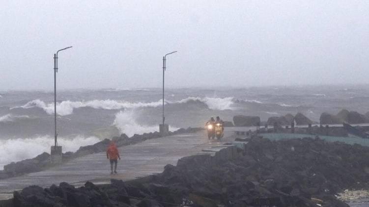 Hurricane Nivar latest updates
