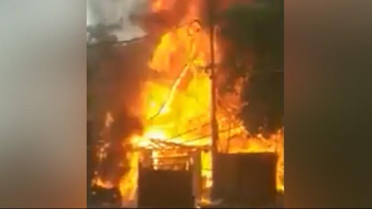 fire breaks out kolkata