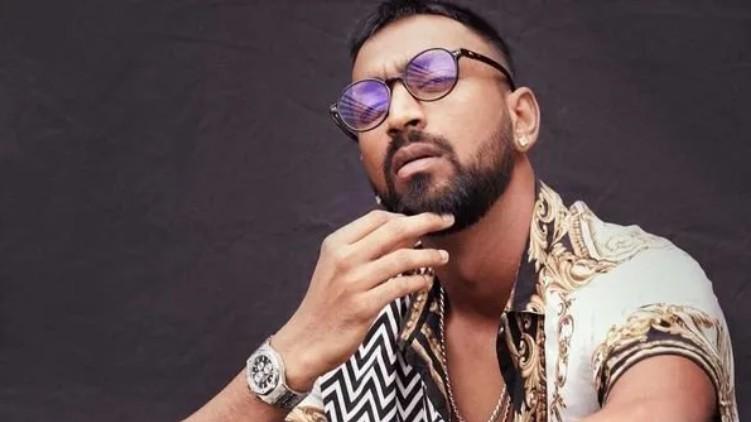 Krunal Pandya watches crore