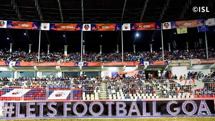 football fan isl ipl