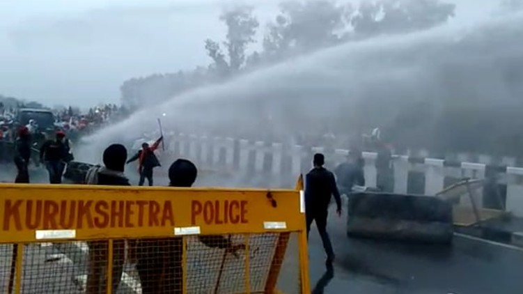Farmers Delhi Water Cannons