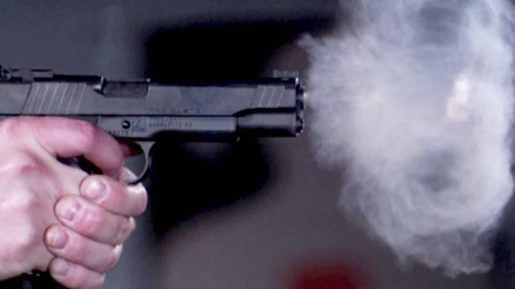perumbavoor gun firing between goonda team