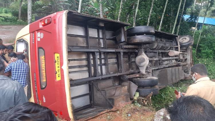 thiruvananthapuram ksrtc accident