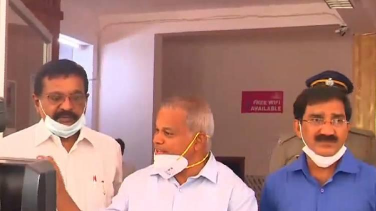 walayar govt advocates met victim parents