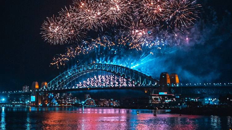 Australia welcomes 2021 with sydney firework