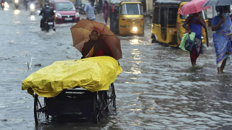 burevi cyclone nearing tamilnadu
