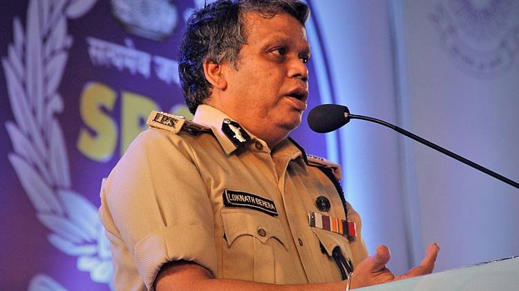 DGP lauds police officers for nabbing accused