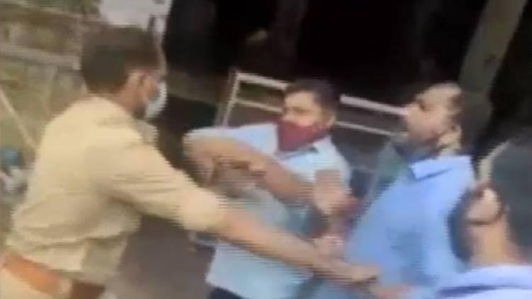 karikineth silks employees attack police