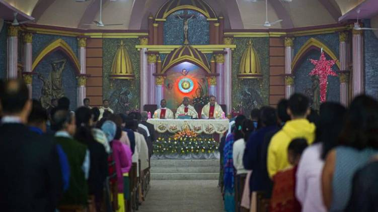 no ban for new year prayer in church says ekm collector