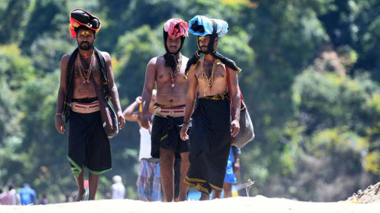 sabarimala devotees came with fake pass arrested