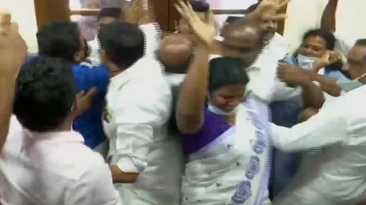 udf ldf clash in cochin corporation council