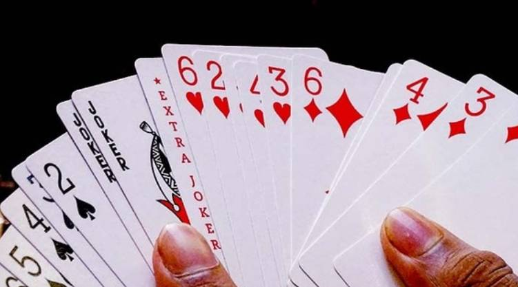 young man who lost Rs 21 lakh through online rummy has committed suicide