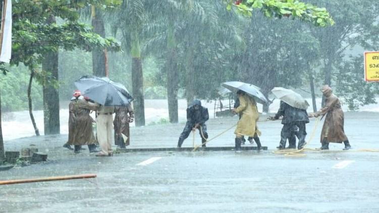 Warning thundershowers kerala today