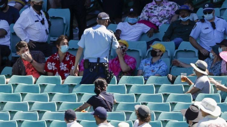 Cricket Spectators Abusing Siraj