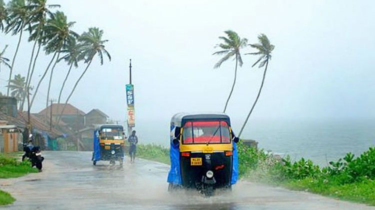 Isolated showers kerala today