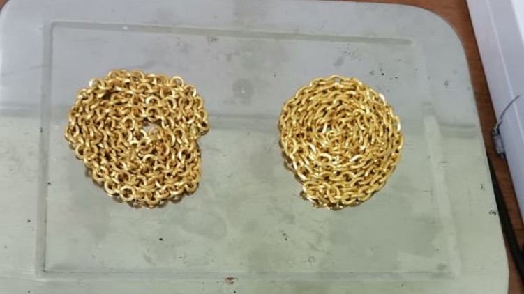 Gold seized kannur airport