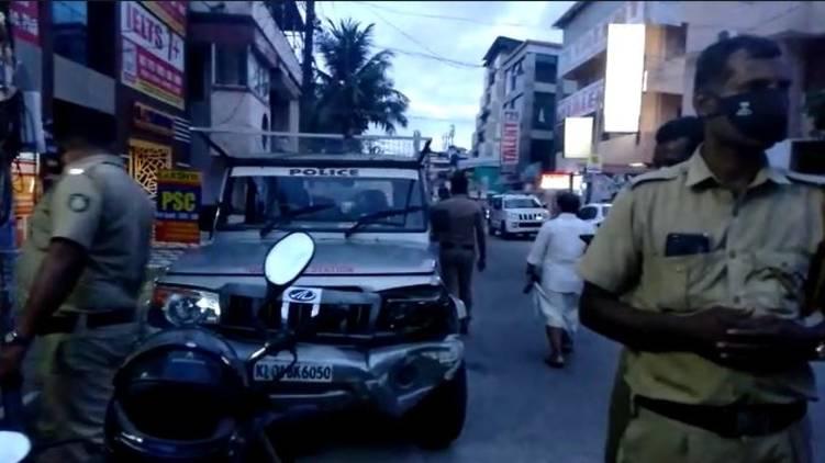 goonda attack against police thiruvananthapuram