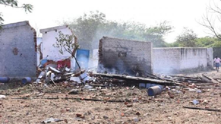 Explosion firecracker factory dead