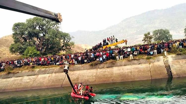 madhya pradesh buss accident death toll touches 39