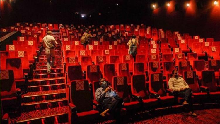 malayalam films release postponed