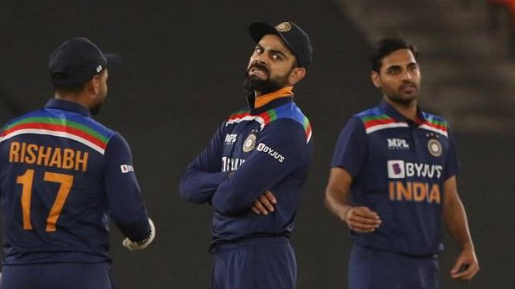 England defeats India t20