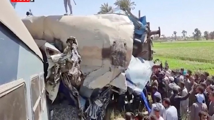 32 killed trains collide